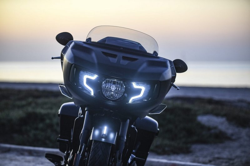 éclairage LED Challenger Indian 2020